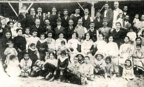 Εργαζόμενοι  σε εργοστάσιο Μακαρονοποιείας στο Άργος.