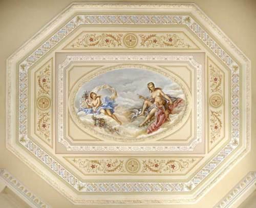 Οροφογραφία σε αίθουσα δεξιώσεων αστικού οικήματος