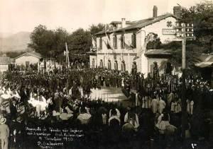 Ανακομιδή στη Τρίπολη των λειψάνων του Θ. Κολοκοτρώνη με το τραίνο, 10 Οκτ. 1930, σιδ. σταθμός Τρίπολης.