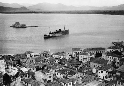 Ulster Prince (+1941). Βρετανικό επιβατηγό πλοίο. Ναυπηγήθηκε το 1930. Βομβαρδίστηκε και από γερμανικά stukas και βυθίστηκε στο Ναύπλιο το 1941.