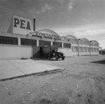 Πρόσοψη του εργοστασίου κονσερβοποιίας ΡΕΑ,1963.