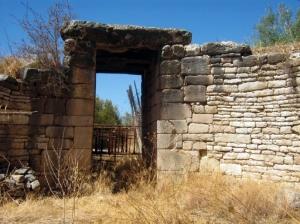 Ο τάφος κάτω Φούρνος
