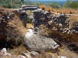 Ο τάφος πάνω φούρνος