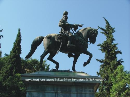 Ναύπλιο, ο Κολοκοτρώνης έφιππος. Φωτογραφία: Γιώργος Αντωνίου.
