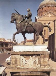 Χάλκινος ανδριάντας του Έρασμο ντα Νάρνι (Γκαταμελάτα). Έργο του Ντονατέλο, Πάντοβα.