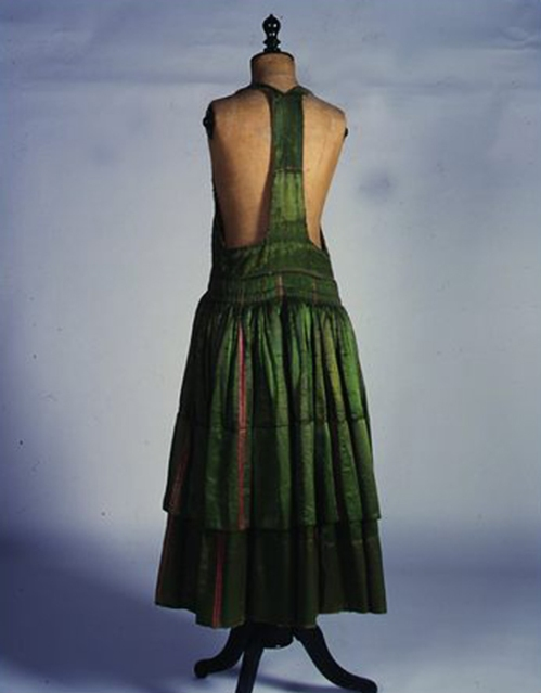 Φόρεμα της ενδυμασίας «σκλέτα» Αστυπάλαια, Δωδεκάνησα. Αρχές 20ού αιώνα