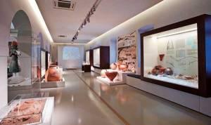 Αρχαιολογικό Μουσείο Ναυπλίου, γενική άποψη της νέας έκθεσης. Επιλογή εικόνας: Αργολική Βιβλιοθήκη.