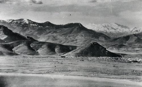 Αεροφωτογραφία της παραλίας της Νέας Κίου και της πεδιάδας του Άργους (λίγο πριν ή λίγο μετά το Β' Παγκόσμιο πόλεμο). Φωτ. Αρχείο Μουσείου Μπενάκη.