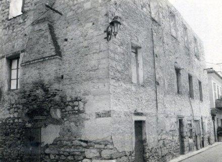 Ενετικό κτίριο μερική άποψη από Ν.Δ.