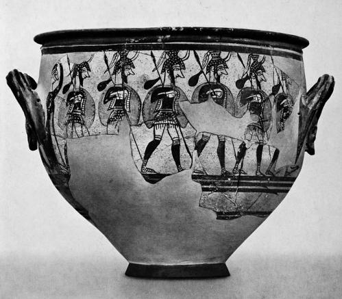 Εικ. 6: Ο λεγόμενος Κρατήρας των Πολεμιστών, από τις Μυκήνες. Αθήνα, Εθνικό Αρχαιολογικό Μουσείο. Αρ. ευρ. Π 1426. Τέλη ΥΕ ΙΙΙΒ (γύρω στο 1200 π. Χ.). (κατά: Marinatos - Hirmer 1959 πίν. 233).