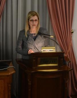 Η κα Σοφία Πατούρα, Διευθύντρια Ερευνών /Εθνικό Ίδρυμα Ερευνών, στο βήμα του «Δαναού».