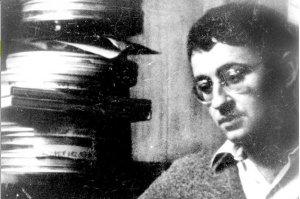 Γκυ Ντεμπόρ (Guy Louis Debord, 28 Δεκεμβρίου 1931, Παρίσι - 30 Νοεμβρίου 1994), συγγραφέας - κινηματογραφιστής. Επιλογή φωτογραφίας: Αργολική Βιβλιοθήκη.