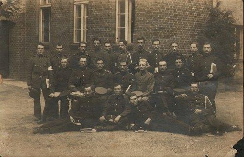 Έλληνες στρατιώτες στο Γκαίρλιτς. Αρχείο: Κατσαρού-Νασιάκου Μαρία.