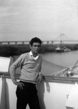 O καπετάνιος Παναγιώτης Φίλης. Διασχίζοντας τον ποταμό Ρίο ντε λα Πλάτα ( Rio de la Plata) Αργεντινή, 9-4-79.
