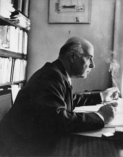 Γιώργος Σεφέρης, 1957. Από το αρχείο του Μορφωτικού Ιδρύματος της Εθνικής Τραπέζης.