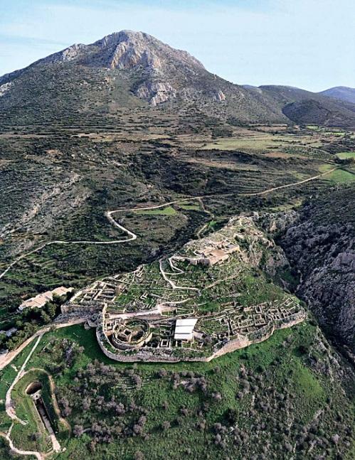 Αεροφωτογραφία της ακρόπολης των Μυκηνών. Άποψη από νοτιοδυτικά.