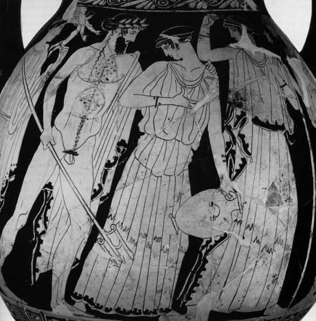 Όταν βασιλιάς του Άργους ήταν ο Δαναός, μεγάλη ξηρασία βασάνιζε το Άργος γιατί ο Ποσειδώνας είχε στερέψει όλες τις πηγές επειδή η πόλη είχε περάσει στην προστασία της Ήρας, ύστερα από σφοδρή διαμάχη μεταξύ τους. Έστειλε τότε μια από τις πενήντα κόρες του, την Αμυμώνη να βρει νερό. Ένας Σάτυρος θέλησε να της επιτεθεί, εκείνη όμως επικαλέστηκε τη βοήθεια του Ποσειδώνα. Αυτός, όχι μόνο την προστάτεψε αλλά της φανέρωσε και μια πηγή με γάργαρο και άφθονο νερό. Η ομορφιά της Αμυμώνης όμως, μάγεψε το θεό κι έτσι έσμιξε ερωτικά μαζί της. Από αυτή την ένωση γεννήθηκε ο Ναύπλιος. Στην παράσταση ο Ποσειδώνας κοιτάζει στα μάτια την Αμυμώνη ενώ αυτή, με την υδρία στο χέρι, κάνει να φύγει, κλίνοντας το κεφάλι συνεσταλμένα προς αυτόν. Δεξιά, μια από τις Δαναΐδες φεύγει προς τον πατέρα της που στέκεται στην άκρη με το σκήπτρο. Αριστερά, η Αφροδίτη παρακολουθεί, ενώ ο Έρωτας πετάει πάνω από το ζευγάρι κρατώντας το στεφάνι του γάμου. Η θεατρική παράσταση του σατυρικού δράματος του Αισχύλου « Αμυμώνη» ίσως είναι ο λόγος της πληθώρας των παραστάσεων του Ποσειδώνα και της Αμυμώνης που φιλοτεχνήθηκαν εκείνη την εποχή. Ο Αισχύλος εκτός από την «Αμυμώνη» που δεν έχει διασωθεί έγραψε και την τριλογία « Ικέτιδες», «Αιγύπτιοι» και « Δαναΐδες». ( Ερυθρόμορφη πελίκη. Γύρω στα 450 π.Χ. Ρώμη. Villa Giulia).