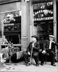 Ελληνικό καφενείο στο Μανχάταν το 1940. Καρέ του AndreasFeininger.
